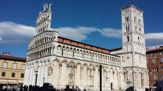 Una fermata nella splendida Lucca