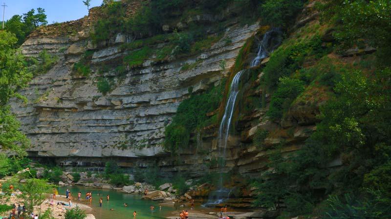 la cascata di moranduccio in toscana