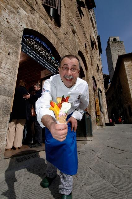 La Gelateria Dondoli a San Gimignano (Si) offre gelato artigianale