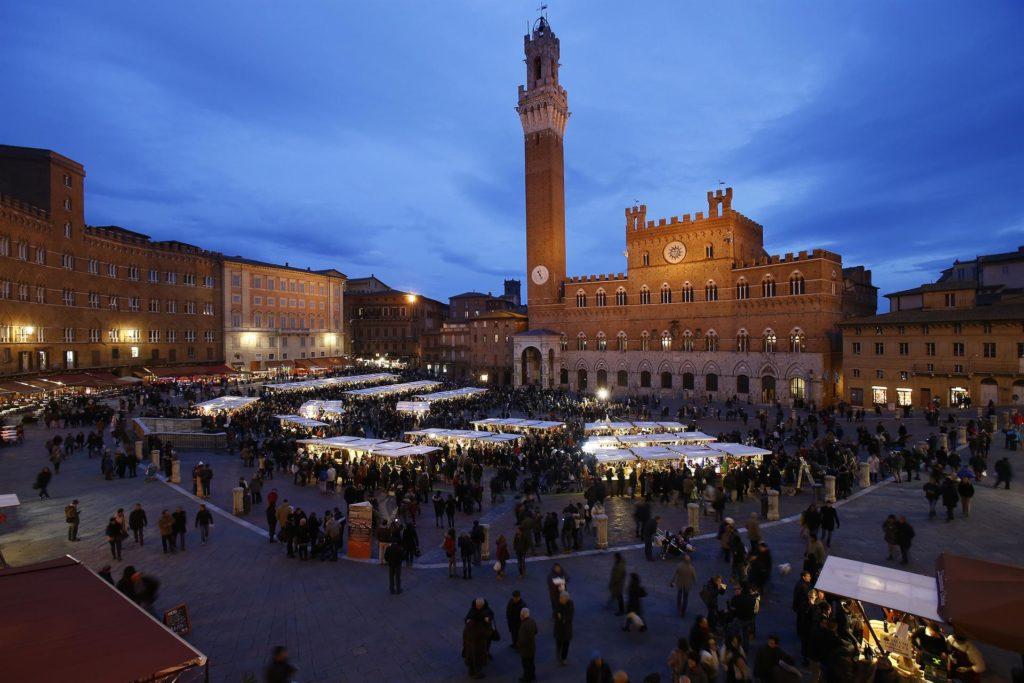 Il Mercato nel Campo riporta Siena ai tempi del Medioevo