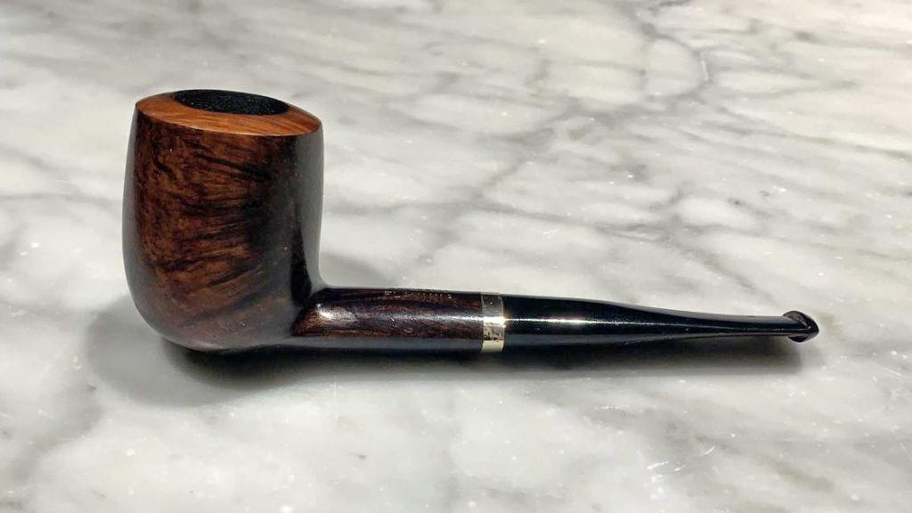 Pipe in Toscana: una Billiard simile a quella fumata dal commissario Maigret / Foto collezione Marco Bottino